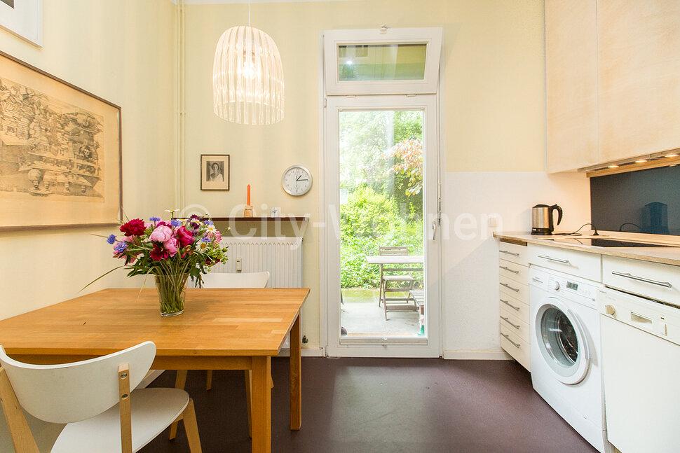 city wohnen wohnen auf zeit in berlin und hamburg m blierte wohnung hamburg altona zeiseweg. Black Bedroom Furniture Sets. Home Design Ideas