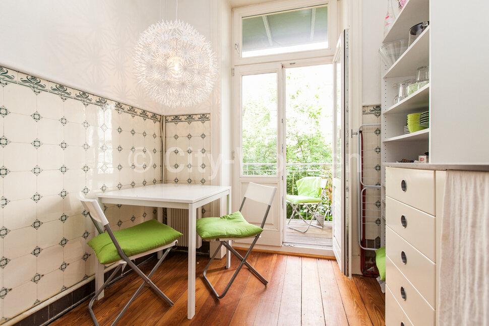 city wohnen wohnen auf zeit in berlin und hamburg. Black Bedroom Furniture Sets. Home Design Ideas